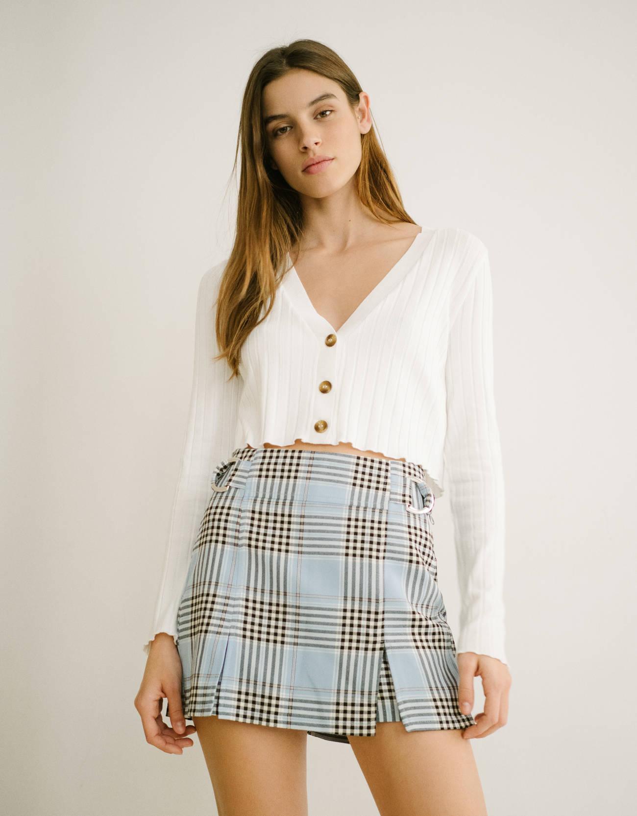 Falda pantalón de cuadros con hebillas