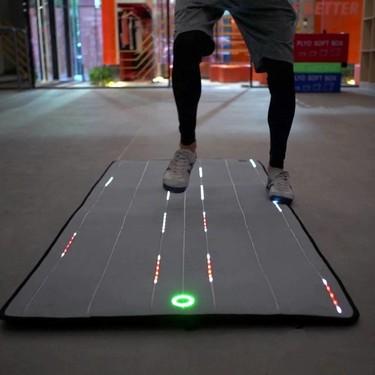 Así es Unimat, un tapete inteligente que monitorea tu salud y rutina al hacer ejercicio