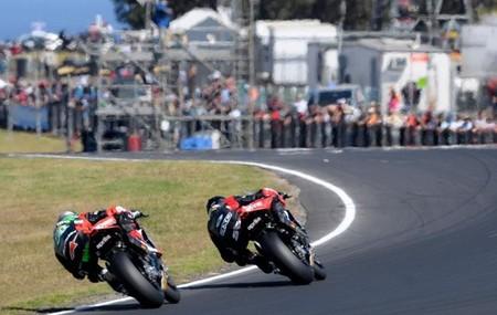 Superbikes Motorland Aragón 2013: la primera en casa