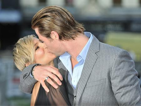 Elsa Pataky y Chris Hemsworth, guapísimos y derrochando amor en Londres