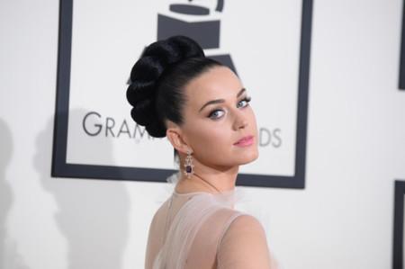 Katy Perry da la nota (literal) estrenando la colección Alta Costura de Valentino en los Grammy 2014