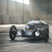 Morgan EV3: Tres ruedas, un motor eléctrico y muchas ganas de divertirse