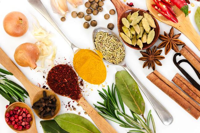 especias-salsas-calorias