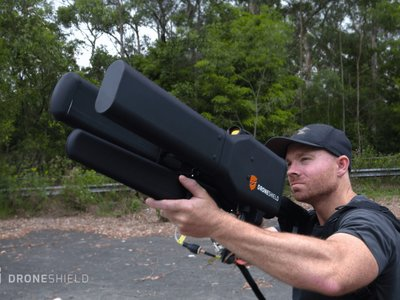 La guerra entre drones y humanos se intensifica, pero esta enorme bazooka está cerca de darnos ventaja