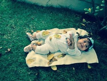 La foto de tu bebé: otoño en la hierba