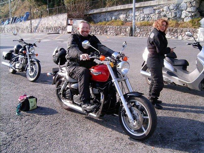 Lucas de nuevo en moto
