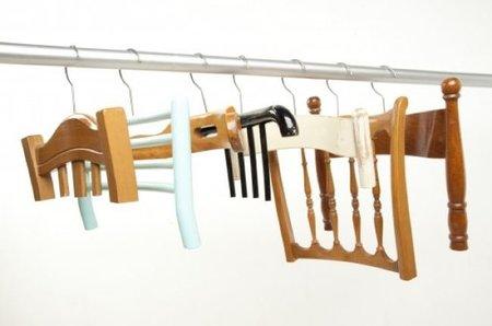 Recicladecoración: perchas a partir de respaldos de sillas