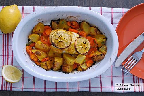 Pechuga de pollo asada con patata y zanahoria al limón. Receta saludable