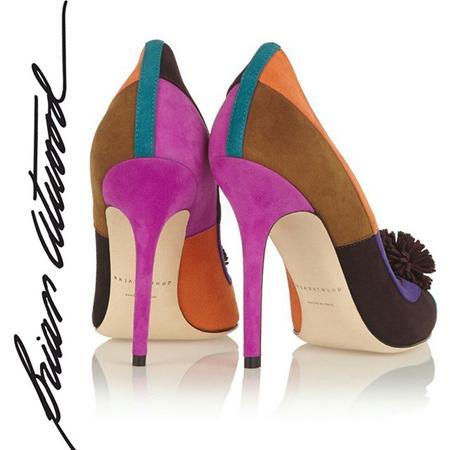 Las coloridas pochettes de Brian Atwood tan bonitas como sus zapatos
