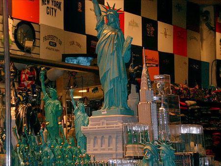 Típica tienda de recuerdos de Nueva York.