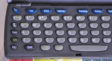 Apple podría estar considerando un iPhone con teclado físico