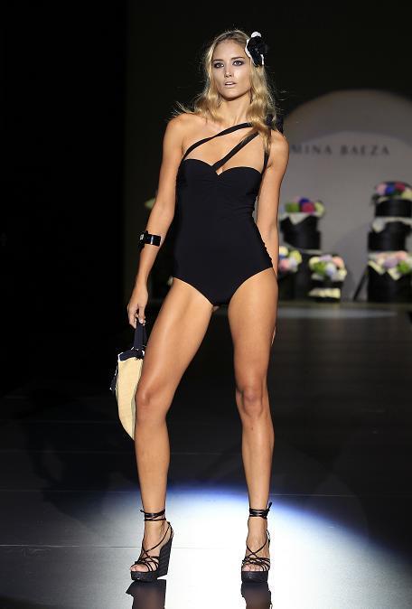 Foto de Tendencias en trajes de baño verano 2011 (7/10)