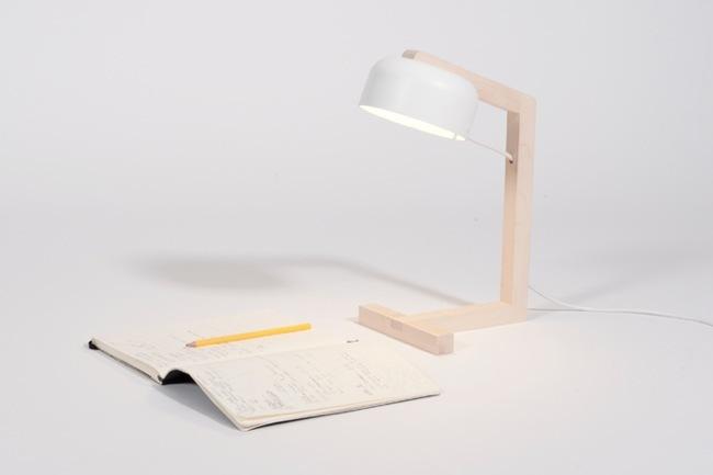 Sn vsen una lampara de mesa minimalista de estilo escandinavo for Lamparas estilo escandinavo