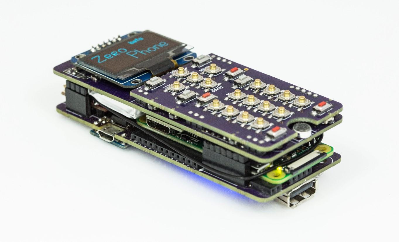 ZeroPhone es el móvil Open Source de 50 dólares basado en una Raspberry Pi Zero