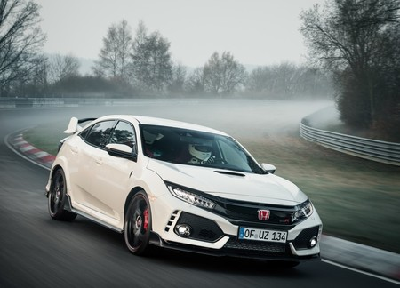 Honda Civic Type R 2018 1280 03