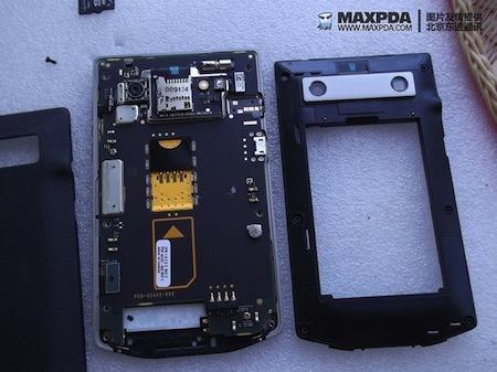 Foto de BlackBerry Bold 9980 Knight, nueva serie limitada de BlackBerry de gama alta (29/39)