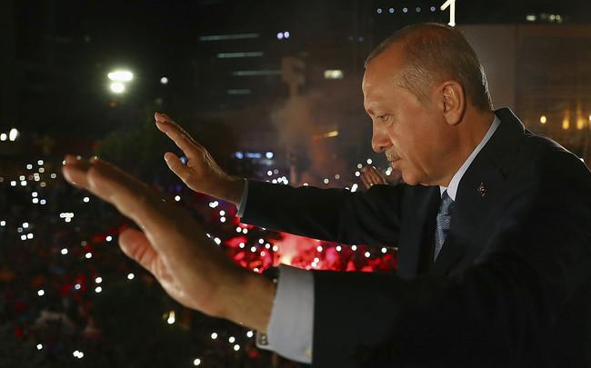 Turquía en problemas: una crisis económica peor que la de Grecia en 2008 frente a un presidente asfixiante