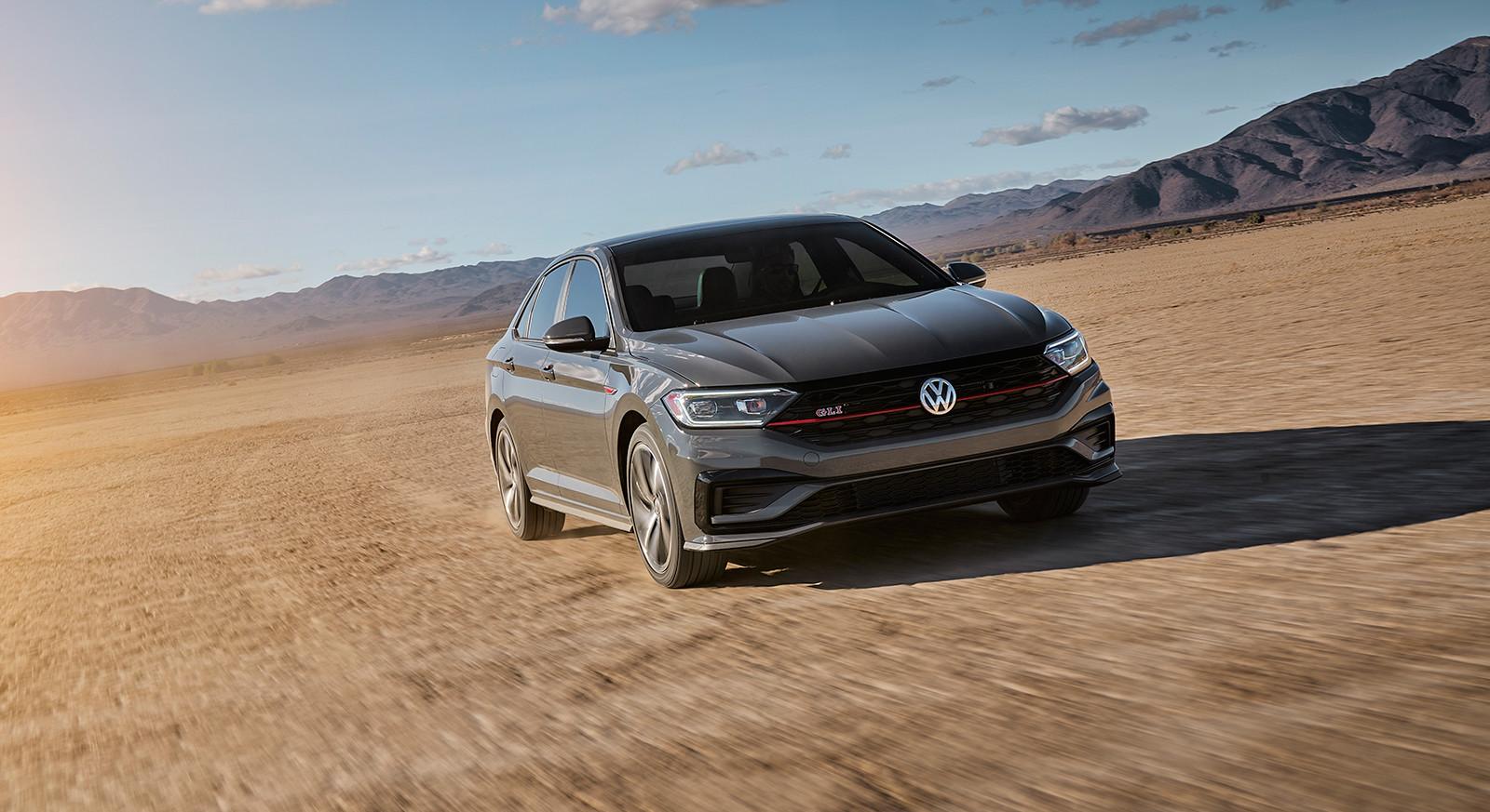 Foto de Volkswagen Jetta GLI 2019 (6/27)