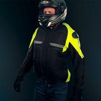 Helite es una chaqueta de moto con airbag con un precio de 690 euros y reutilizable por 30 euros cada cartucho