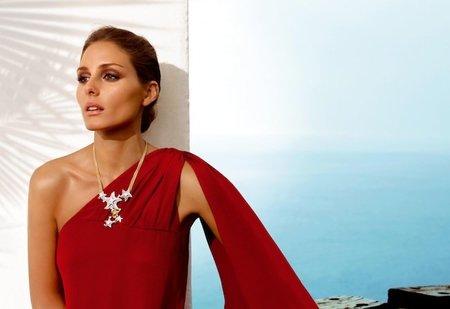 Olivia Palermo presenta la colección Mediterráneo de Carrera y Carrera