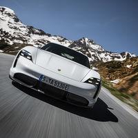 Nos hemos subido al Porsche Taycan: más que un rival para Tesla, la esperanza de los coches eléctricos