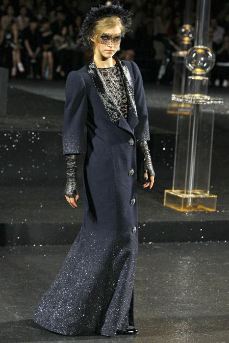 Foto de Todas las imágenes de Chanel Alta Costura Otoño-Invierno 2011/2012 (3/22)