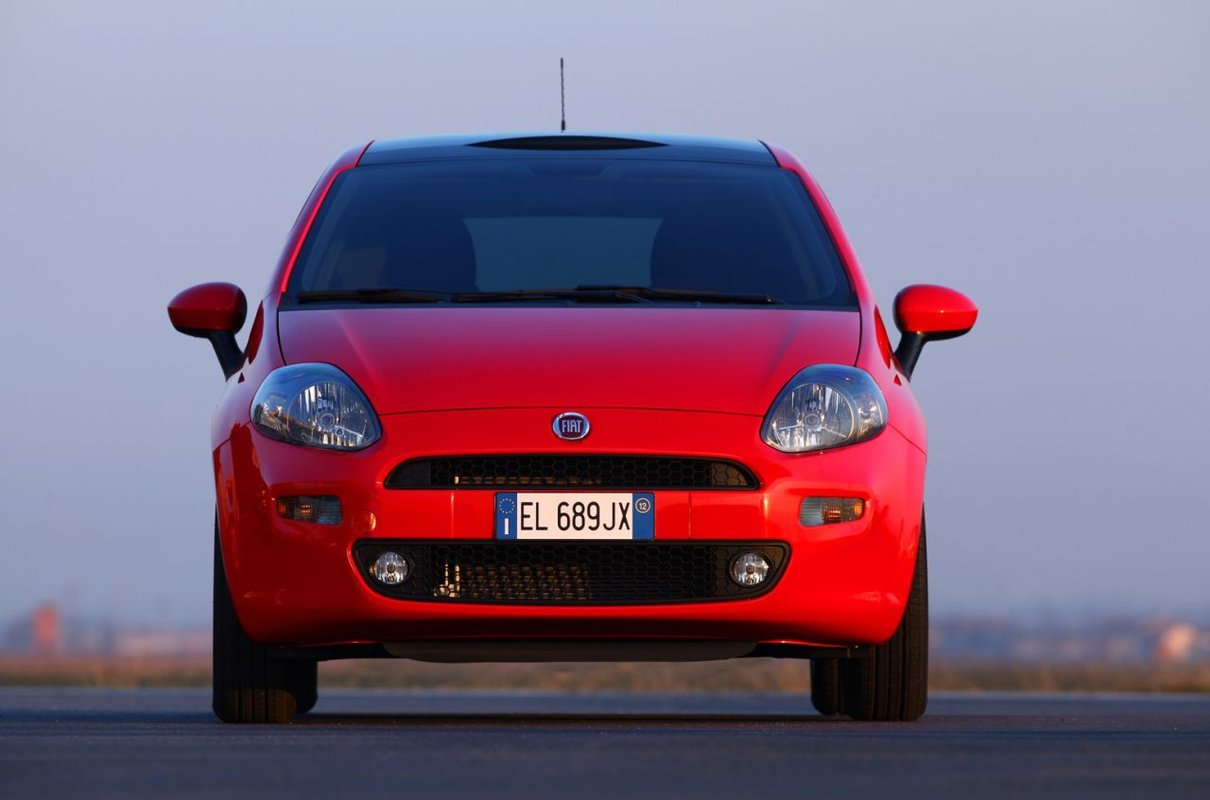 Foto de Fiat Punto 2012 (30/48)