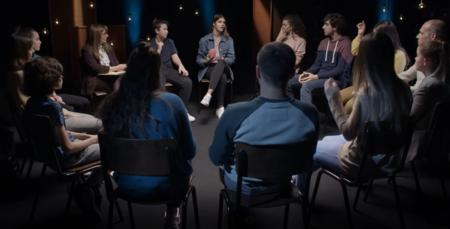 Superar nuestros prejuicios para construir una sociedad mejor: el vídeo protagonizado por adolescentes que nos hace reflexionar