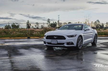 Ford Mustang GT, a prueba: un cincuentón que sabe mantenerse joven y atlético