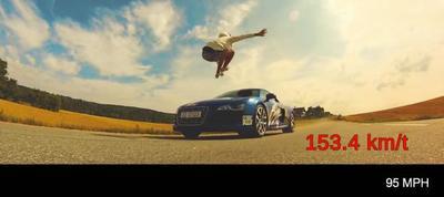 ¿Saltar un Audi R8 a 153 km/h? Un juego de niños