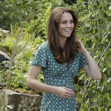 El look de verano de Kate Middleton con cuñas de esparto de su marca española preferida