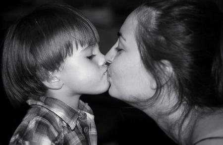 Besos en la boca a los hijos, ¿si o no?