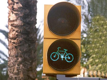 Semaforo ciclos y ciclomotores, examen permiso de conducir