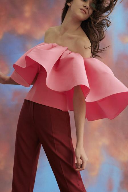 Carolina Herrera, una de las firmas preferidas de Doña Letizia, nos muestra su bonita colección Pre-Fall 2019