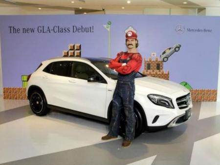 Mercedes Benz y Mario Kart 8