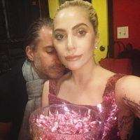 Lady Gaga se vuelve a comprometer, ¿la veremos vestida de blanco esta vez?