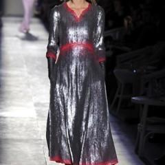 Foto 41 de 61 de la galería chanel-alta-costura-otono-invierno-2012-2013-rosa-gris-brillos-y-nuevo-vintage en Trendencias