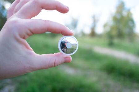 """Apple AirTag, análisis: alta precisión y una inmensa red de """"ayudantes"""" en lo que ocupa un botón"""