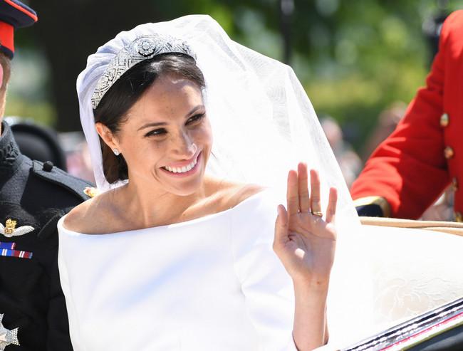 Este es el pequeño guiño a Isabel II que Meghan Markle incluyó en su maquillaje el día de la boda real