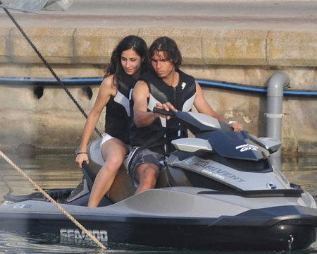 Rafa Nadal y Xisca dan la bienvenida al verano