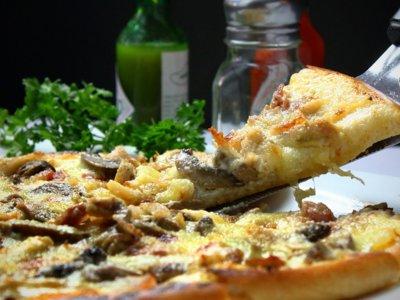 Ésta es la imagen de las calorías recomendadas que debes consumir en un fast food