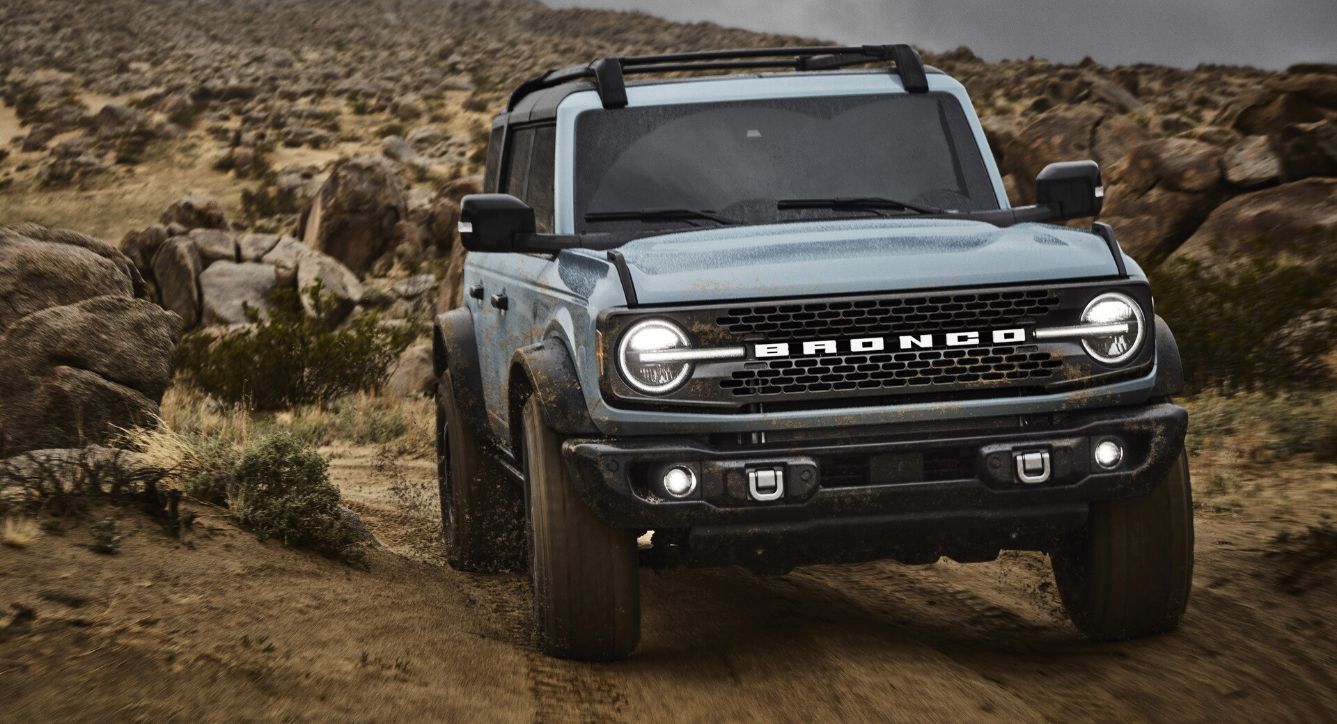 Foto de Ford Bronco (9/30)