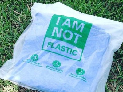 "Estas bolsas de ""plástico vegetal"" se disuelven en agua caliente"