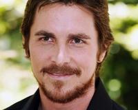 Christian Bale se ha rebanado un dedo