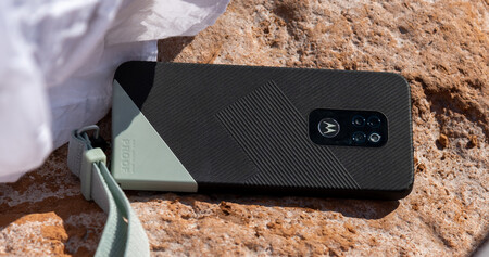 Motorola Defy 03