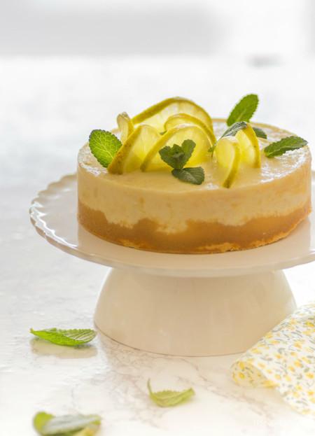 Receta fácil de tarta de limón. Una idea ligera y refrescante para tu postre