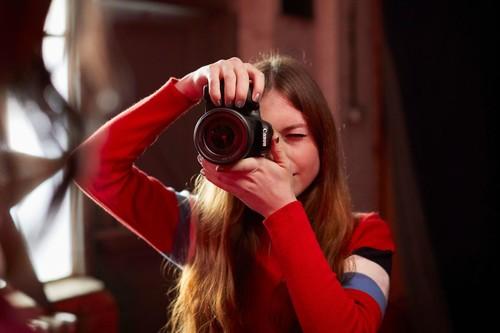 Canon EOS 77D, Nikon D750, Sony A6300 y más cámaras, objetivos y accesorios en oferta: Llega Cazando Gangas