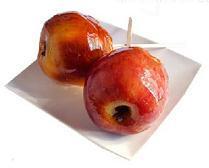 Manzana caramelizada, fruta golosa para los niños