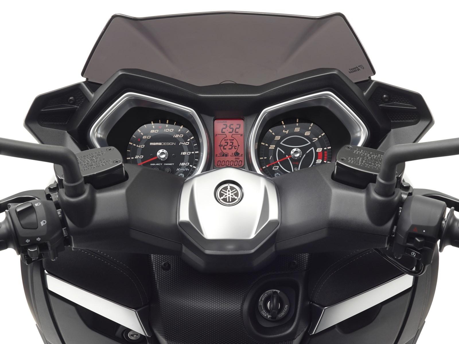 Foto de Yamaha X-MAX 400 MOMODESIGN, estudio y detalles (15/33)