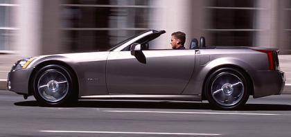 Cadillac XLR-V, deportivo de 450 CV